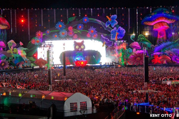 22-edm-stage-design